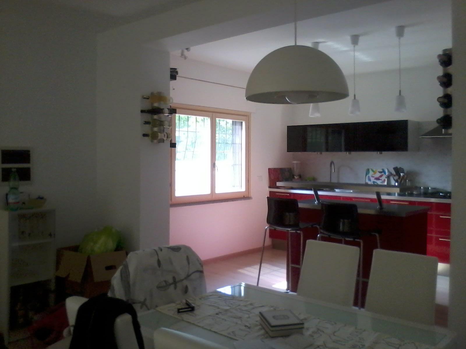 casa BV - vista dal soggiorno verso l'angolo cottura - architetturaincasa